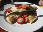 strawberry-crepe-crescendo-small