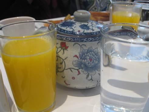 nocochi tea and orange juice