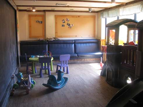 oeuf et boef childrens play room