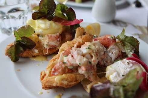 salmiogondi lobster benedict