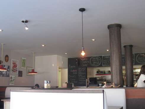 bete a pain montreal brunch interior